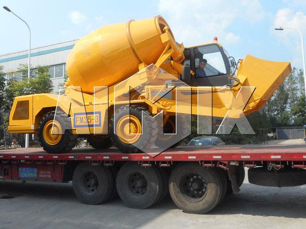 1.2 m³ self loading truck mixer
