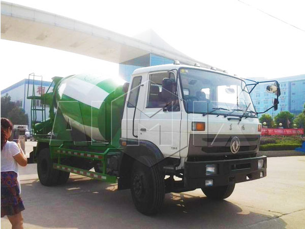 4m³ concrete batch truck