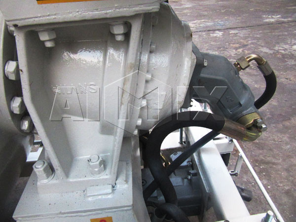 hydraulic system of volumetric concrete truck for sale