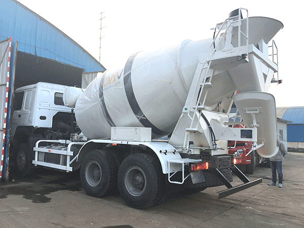mix on site concrete trucks for sale