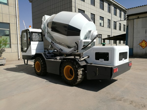 2.0 cub self loading concrete mixer