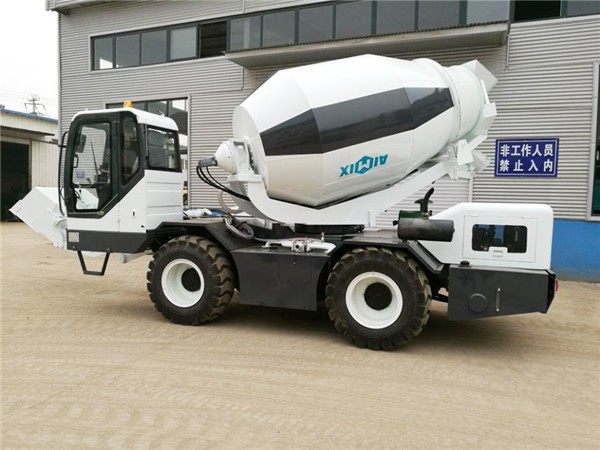 1.2 cub self loading concrete mixer truck
